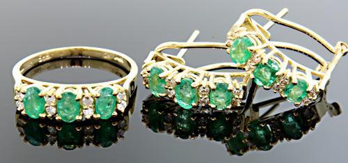 Emerald & Diamond Set in Yellow Gold