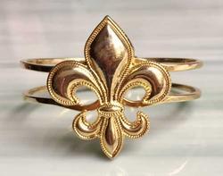 Stunning, Large, Gold Tone Relief 'Fleur De Lis' Hinged Bracelet
