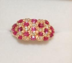 GORGEOUS RUBY, DIAMOND, & 14KT GOLD COCKTAIL RING