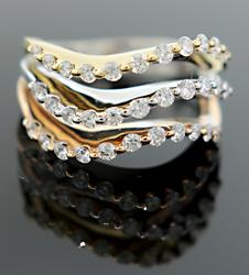 Diamond Wave Band in 18K