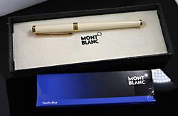 Monte Blanc Vintage Cream Noblesse Roller Ball Pen