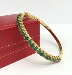 Gorgeous Emerald and 14kt Gold Bangle Bracelet