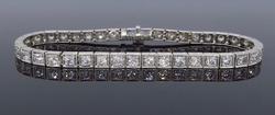 Elegant Platinum 2+ctw Diamond Line Design Bracelet