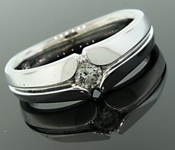 Gents Diamond Solitaire Band in 18K