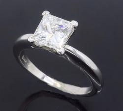 Excellent Quality VS 1.01ct Solitaire Diamond Ring