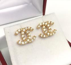 18kt Gold Stud Earrings