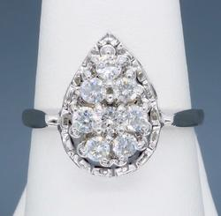 Gorgeous Pear Shaped Diamond ring