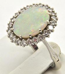Vintage 14kt Gold Opal & Diamond Ring in 14kt Gold