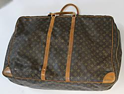 Louis Vuitton Vintage 28
