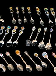 Lot of 31 Vintage Souvenir Collector Spoons