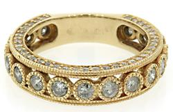Diamond & Milgrain Band in Yellow Gold