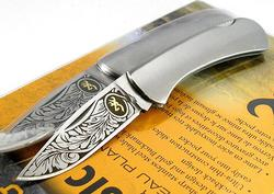 Browning Classic Folder Etching Blade Lockback Stainless Handle Knife