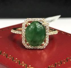 Beautiful Diamond & Jade Cocktail Ring