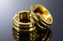 18K Yellow Gold Grooved Hollow Earrings