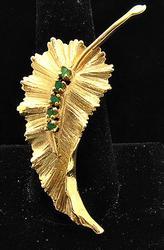 Unique Delicate Leaf Design Brooch in 14kt Gold