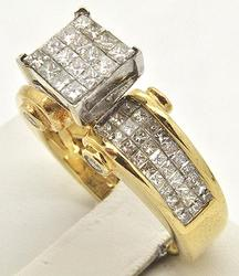 LADIES 14 KT YELLOW GOLD DIAMOND RING.