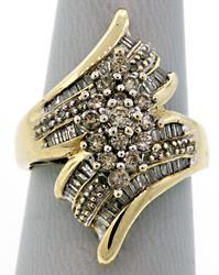 Impressive Diamond Cluster Ring in 10K