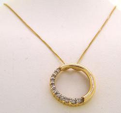 Lovely Circle Pendant with Graduating Diamonds