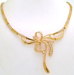 Lavish 21kt Yellow Gold Ribbon Necklace
