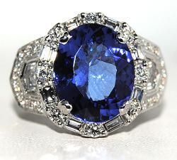 High Quality 7+ctw Tanzanite & Diamond Ring, 18kt
