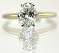 Elegant 1 ct Oval Cut Diamond Ring