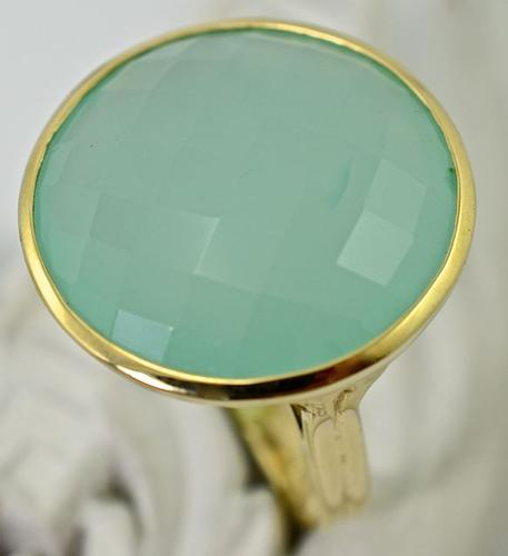 14K Ring With Fascinating Chalcedony