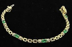 Natural Emerald & Diamond Bracelet in 10kt Gold