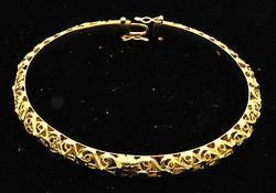 Diamond Cut Design 18kt Gold Bangle Bracelet