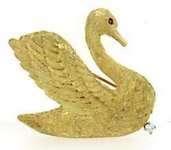 Elegant 18K Swan Brooch with a Ruby & Diamond
