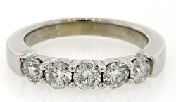 Dazzling 1.0 CTW Classic 5 Diamond Band