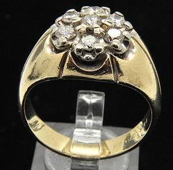MEN'S 14 KT YELLOW GOLD DIAMOND CLUSTER RING.