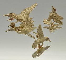 Hummingbird Design 14kt Gold Brooch & Matching Studs