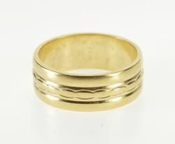 Scalloped Pattern Grooved Design Wedding Band Ring
