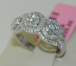 Beautiful 14KT White Gold Diamond Ring