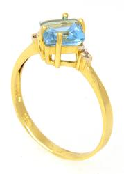 Shining Blue Topaz Ring in Gold, Size 6.5