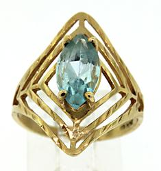 10KT Yellow Gold Ring with Blue Center Stone