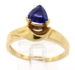 Tanzanite Yellow Gold Ring