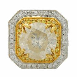 Exquisite 4.69ctw. Diamond Ring in 18KT Gold