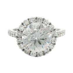 Halo Diamond Engagement Ring in 18kt Gold