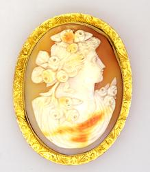 Large Greek-Style Carnelian Cameo Broach/Pendant in Gold