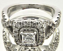 18K LADIES DIAMOND ENGAGEMENT RING