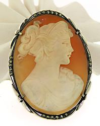 Fabulous Large Antique Carved Shell Cameo Brooch