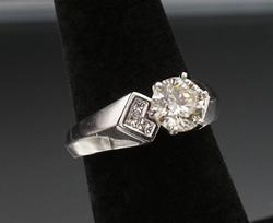 Platinum Ring with Round Brilliant Cut Diamond