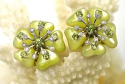 Fabulous Artistic 18K Flower Earrings
