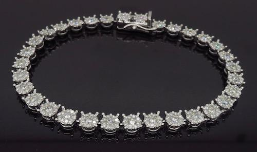 18K White Gold 3.58ctw Diamond Bracelet