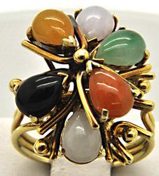 LADIES 14 KT YELLOW GOLD JADE RING.
