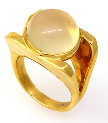 Stunning Moonstone Ring in Gold, Size 5.5