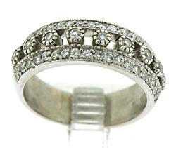 Lustrous 14kt Diamond Ring