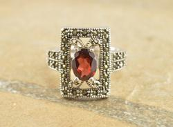 Marcasite Encrusted Geometric Red Stone Milgrain Ring Size 7 Silver