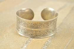 Concave Ornate Scroll Design Patterned Fancy Cuff Bracelet Silver